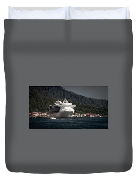 The Cruise Ship And The Plane Duvet Cover by Timothy Latta
