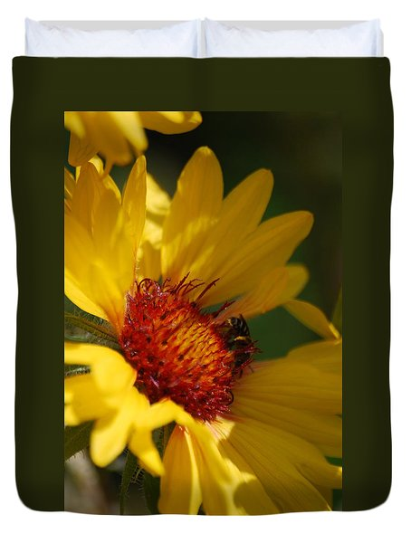 Duvet Cover featuring the photograph The Daisy And The Bee by Ramona Whiteaker