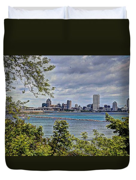 Duvet Cover featuring the photograph The Eye Of The City by Deborah Klubertanz