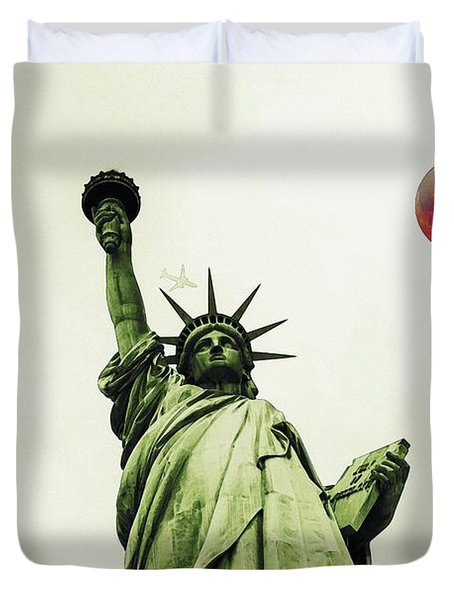 The Fool Blood Moon And The Lady Liberty Duvet Cover
