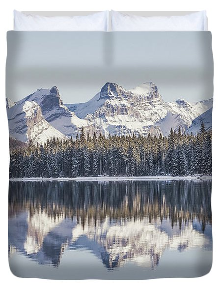 The Glorious Land Duvet Cover
