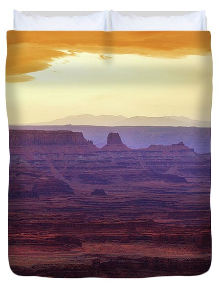 The Gold Light Of Dawn Duvet Cover