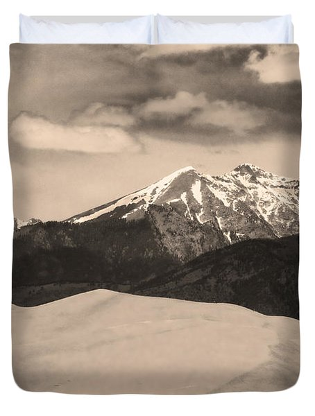 The Great Sand Dunes And Sangre De Cristo Mountains - Sepia Duvet Cover by James BO  Insogna