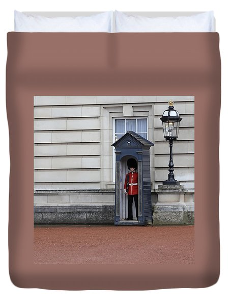 The Guard At Buckingham Palace Duvet Cover