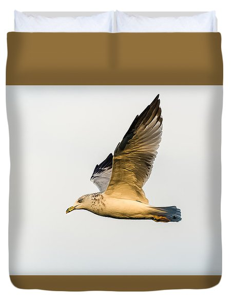 Duvet Cover featuring the photograph The Gull In Flight by Yeates Photography