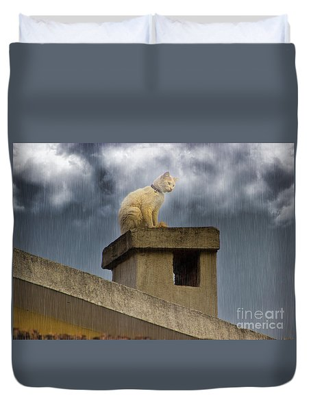 The Hunt Goes On Duvet Cover by Al Bourassa