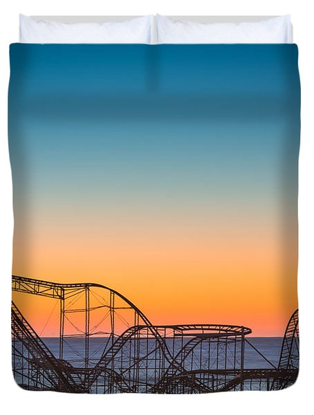The Iconic Star Jet Roller Coaster Duvet Cover by Michael Ver Sprill