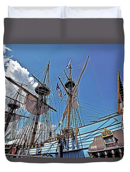 Duvet Cover featuring the photograph The Kalmar Nyckel - Delaware by Brendan Reals