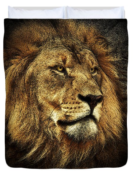 Duvet Cover featuring the mixed media The King by Elaine Malott