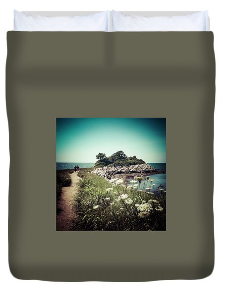 The Knob Looking Ahead Duvet Cover