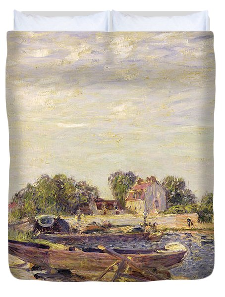 The Loing At Saint Mammes 1885 Duvet Cover by Alfred Sisley