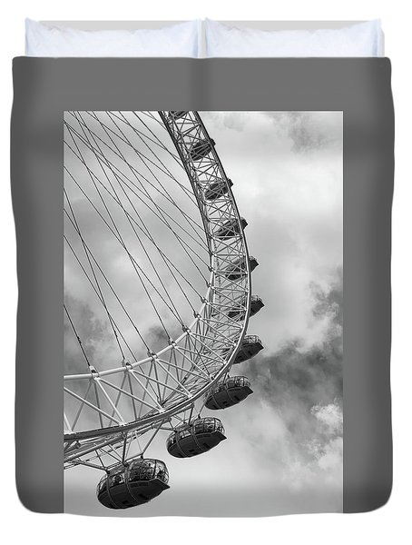 Duvet Cover featuring the photograph The London Eye, London, England by Richard Goodrich