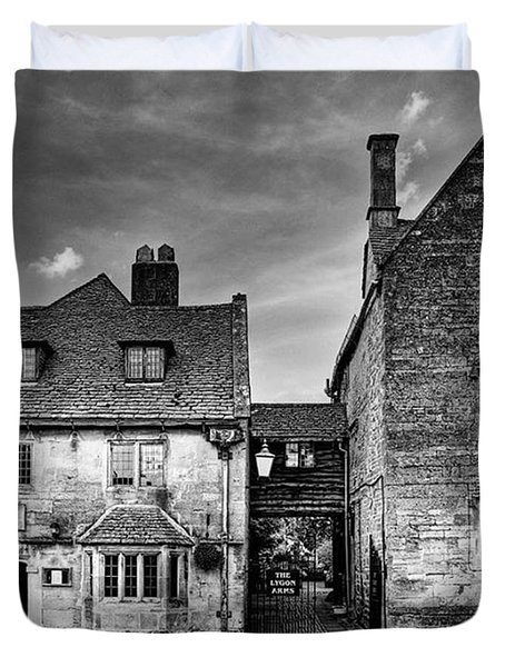 The Lygon Arms, Broadway Duvet Cover by John Edwards