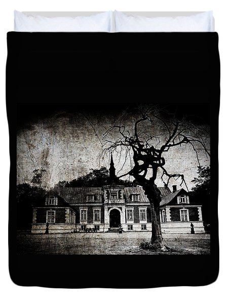 Duvet Cover featuring the photograph The Mansion by Laura Melis