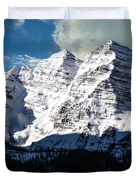These Twin Peaks Outside Aspen Are Called The Maroon Bells  Duvet Cover by Carol M Highsmith