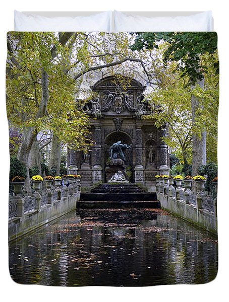 The Medici Fountain At The Jardin Du Luxembourg In Paris France. Duvet Cover