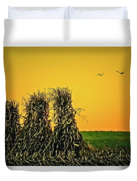 Duvet Cover featuring the photograph The Migration Of Summer by Skip Tribby
