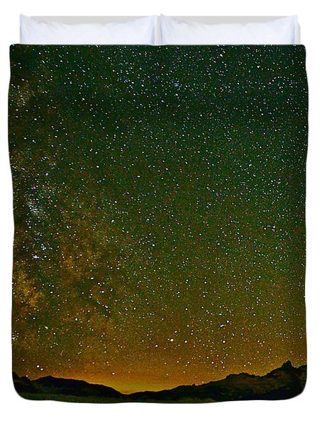 The Milky Way And Mt. Rainier Duvet Cover