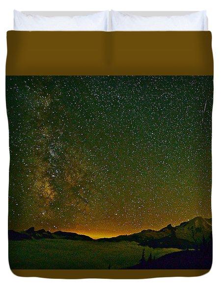 The Milky Way And Mt. Rainier Duvet Cover