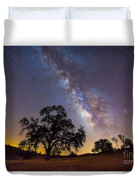 The Milky Way And Perseids Duvet Cover