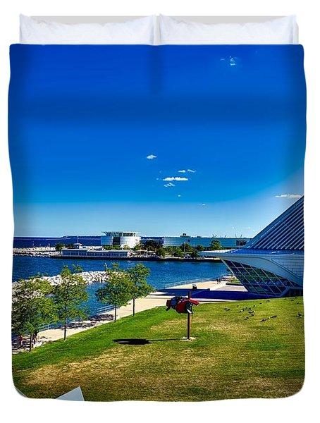 The Milwaukee Art Museum On Lake Michigan Duvet Cover