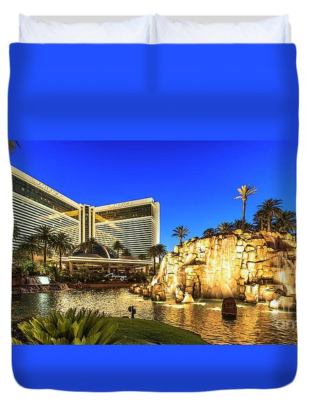 The Mirage Casino And Volcano At Dusk Duvet Cover