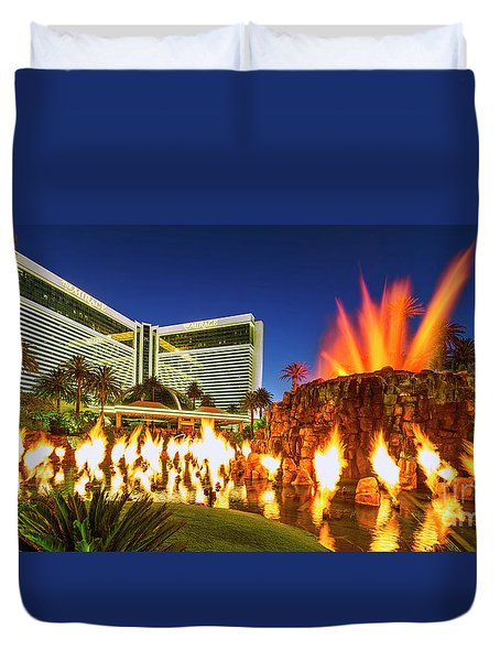 The Mirage Casino And Volcano Eruption At Dusk Duvet Cover