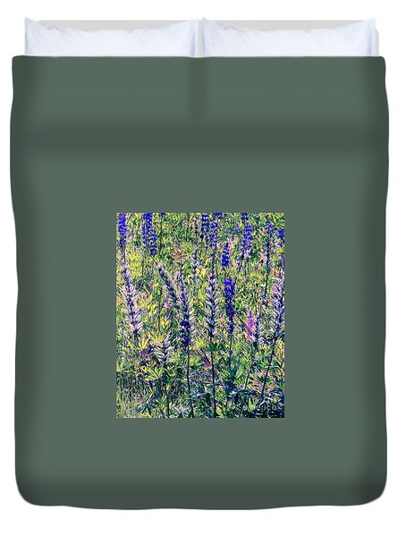 Duvet Cover featuring the photograph The Mix by Elfriede Fulda