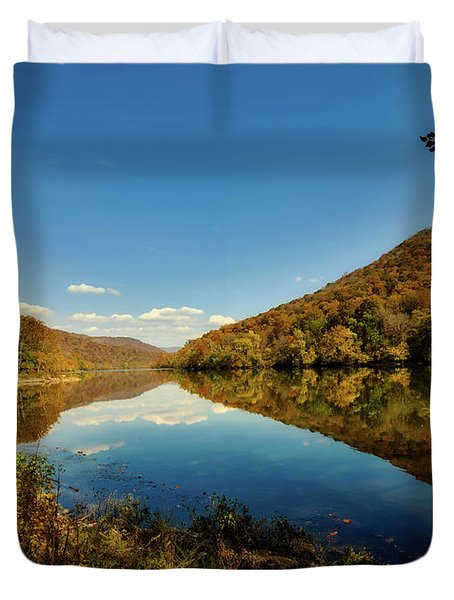 The New River In Autumn Duvet Cover by L O C
