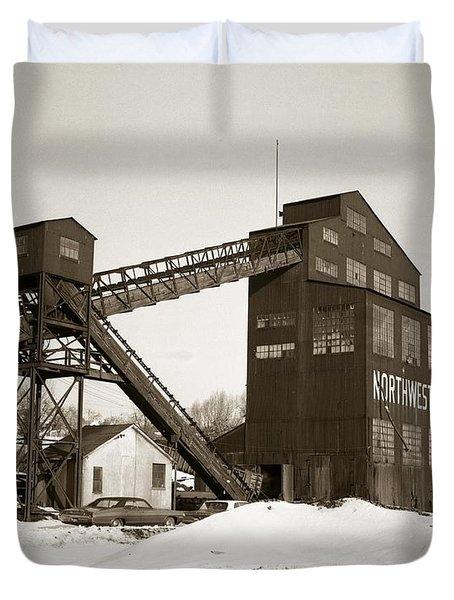 The Northwest Coal Company Breaker Eynon Pennsylvania 1971 Duvet Cover