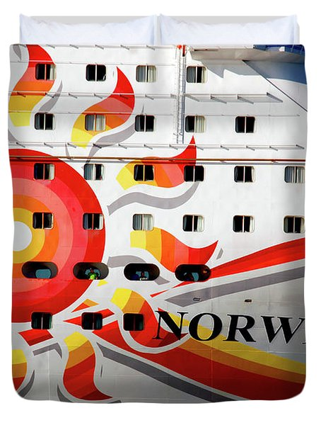 The Norwegian Sun Bow Duvet Cover by Susanne Van Hulst