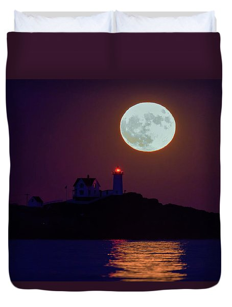 The Nubble And The Full Moon Duvet Cover by Rick Berk