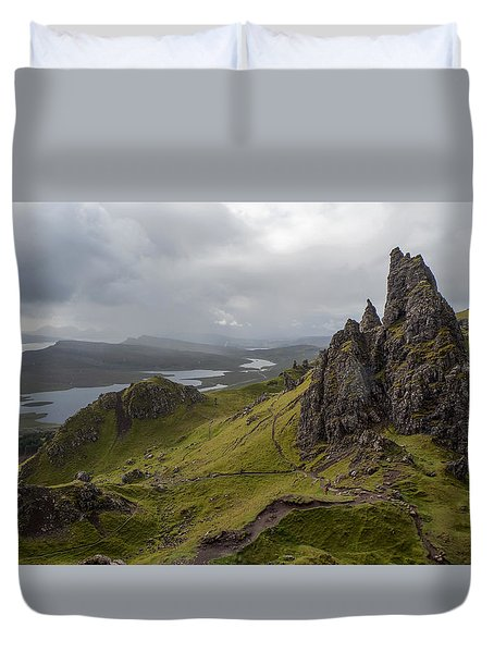 The Old Man Of Storr, Isle Of Skye, Uk Duvet Cover
