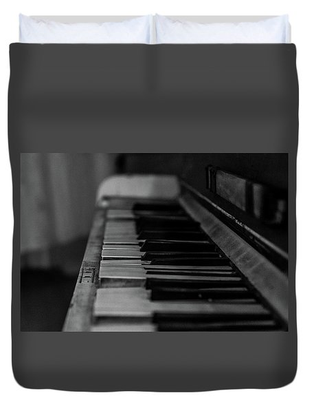 The Old Piano Duvet Cover