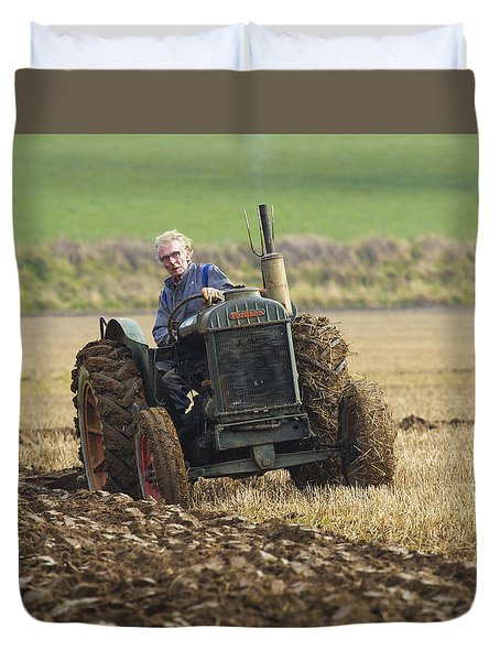 Duvet Cover featuring the photograph The Old Ploughman by Roy McPeak