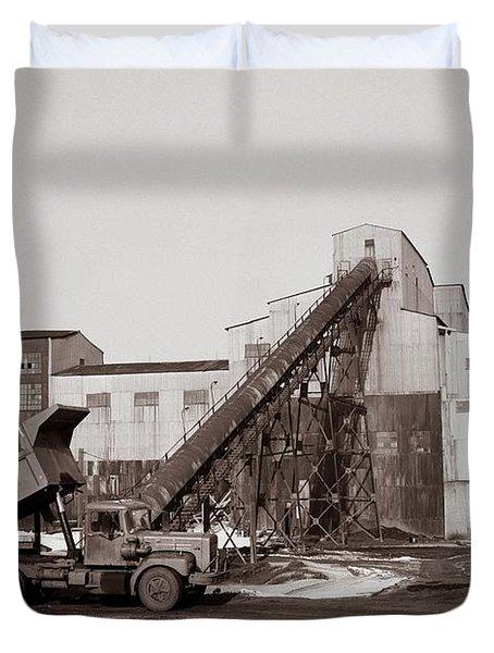 The Olyphant Pennsylvania Coal Breaker 1971 Duvet Cover