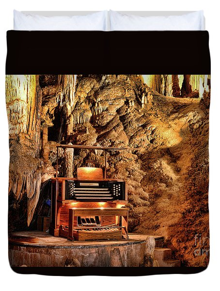 The Organ In Luray Caverns Duvet Cover by Paul Ward