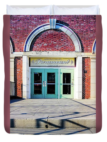 Duvet Cover featuring the photograph The Paramount Theatre by Colleen Kammerer