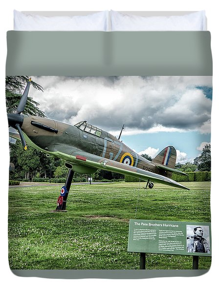 Duvet Cover featuring the photograph The Pete Brothers Hurricane by Alan Toepfer