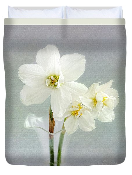 Duvet Cover featuring the photograph The Poet's Daffodils by Louise Kumpf