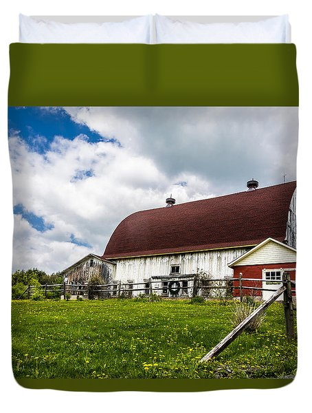 Duvet Cover featuring the photograph The Red And White Barn by Paula Porterfield-Izzo