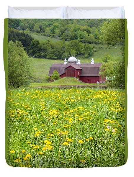 Duvet Cover featuring the photograph The Red Barn And Dandelions by Paula Porterfield-Izzo