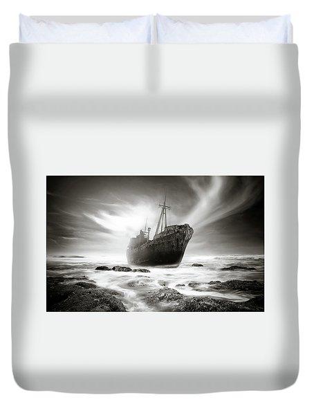 The Shipwreck Duvet Cover