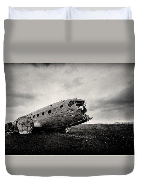 The Solheimsandur Plane Wreck Duvet Cover by Tor-Ivar Naess