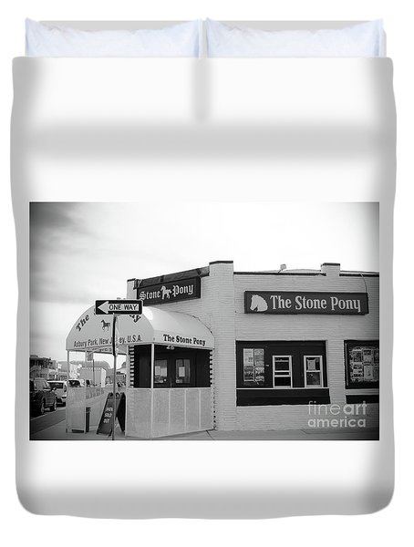 Duvet Cover featuring the photograph The Stone Pony - One Way by Colleen Kammerer
