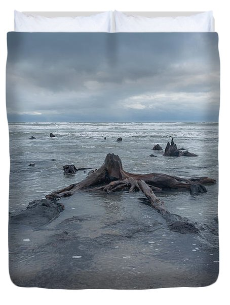 The Tide Comes In Over The Bronze Age Sunken Forest At Borth On The West Wales Coast Uk Duvet Cover