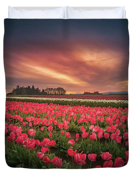 Duvet Cover featuring the photograph The Tranquil Morning Before Sunrise by William Lee