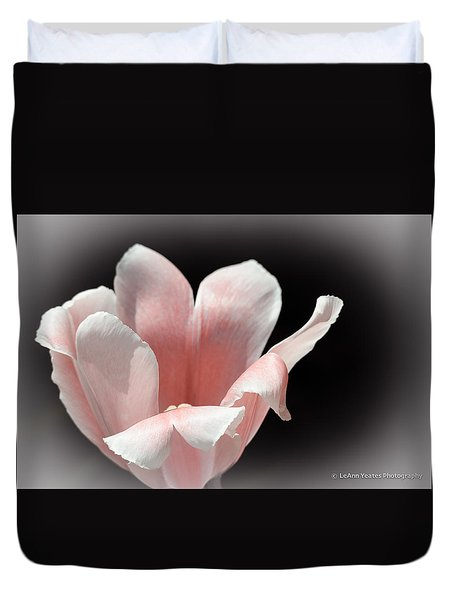 The Tulip Duvet Cover by Yeates Photography