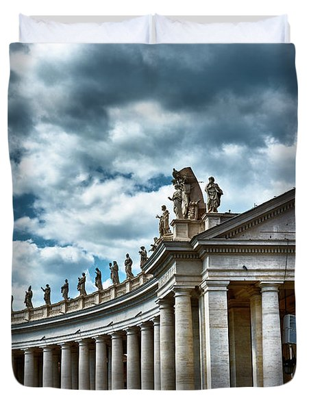 Duvet Cover featuring the photograph The Tuscan Colonnades In The City Of Rome by Eduardo Jose Accorinti