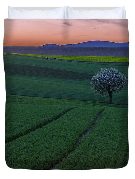The Viewer Duvet Cover